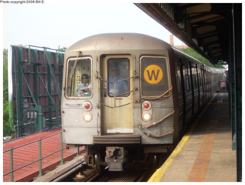 (147k, 820x620)<br><b>Country:</b> United States<br><b>City:</b> New York<br><b>System:</b> New York City Transit<br><b>Line:</b> BMT Astoria Line<br><b>Location:</b> Astoria Boulevard/Hoyt Avenue <br><b>Route:</b> W<br><b>Car:</b> R-68 (Westinghouse-Amrail, 1986-1988)   <br><b>Photo by:</b> Bill E.<br><b>Date:</b> 7/8/2008<br><b>Viewed (this week/total):</b> 0 / 2079