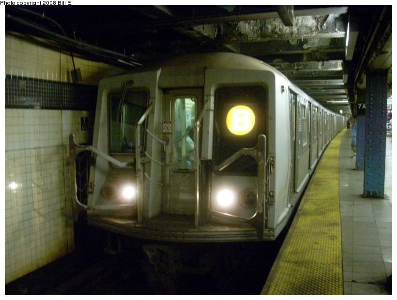 (157k, 820x620)<br><b>Country:</b> United States<br><b>City:</b> New York<br><b>System:</b> New York City Transit<br><b>Line:</b> IND Queens Boulevard Line<br><b>Location:</b> 7th Avenue/53rd Street <br><b>Route:</b> B<br><b>Car:</b> R-40 (St. Louis, 1968)   <br><b>Photo by:</b> Bill E.<br><b>Date:</b> 6/26/2008<br><b>Viewed (this week/total):</b> 0 / 1918