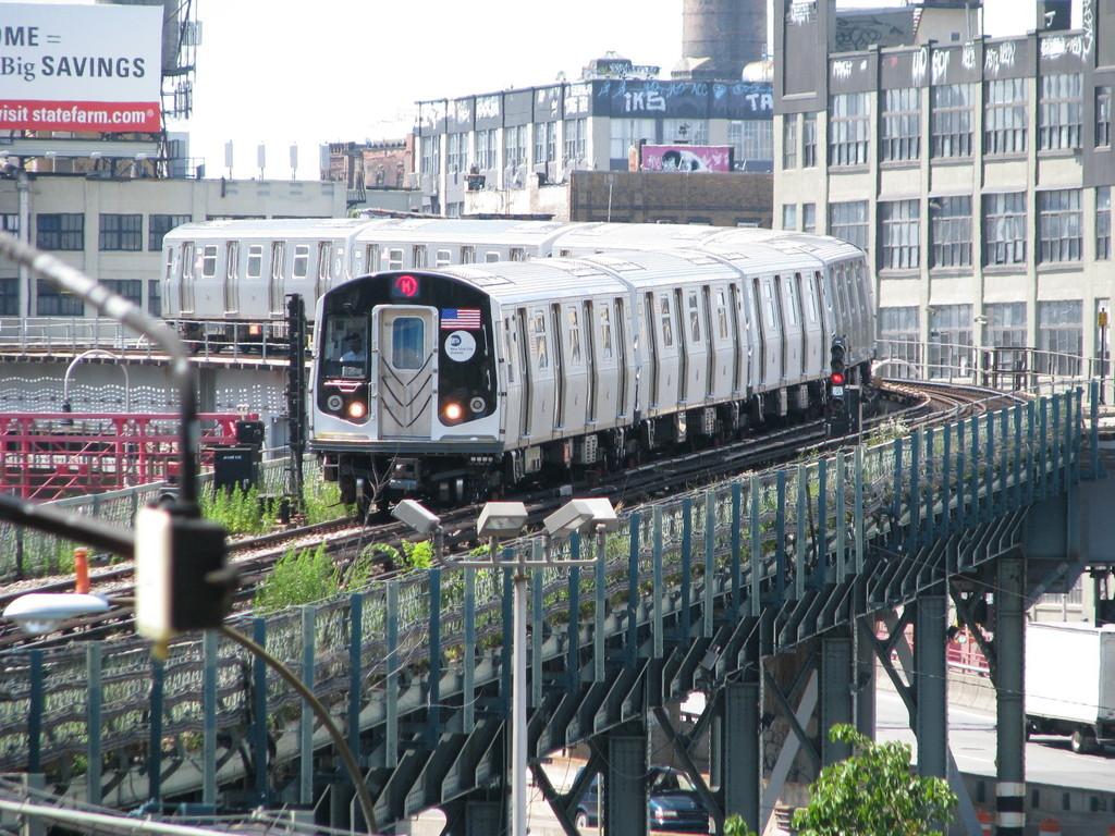 (303k, 1024x768)<br><b>Country:</b> United States<br><b>City:</b> New York<br><b>System:</b> New York City Transit<br><b>Line:</b> BMT Nassau Street/Jamaica Line<br><b>Location:</b> Marcy Avenue <br><b>Route:</b> M<br><b>Car:</b> R-160A-1 (Alstom, 2005-2008, 4 car sets)  8368 <br><b>Photo by:</b> Andrew Johnson<br><b>Date:</b> 7/2/2008<br><b>Viewed (this week/total):</b> 1 / 1986