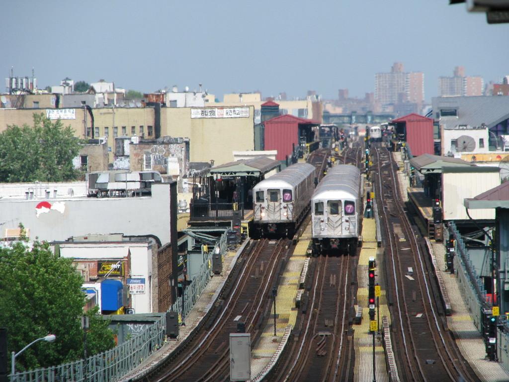 (256k, 1024x768)<br><b>Country:</b> United States<br><b>City:</b> New York<br><b>System:</b> New York City Transit<br><b>Line:</b> IRT Flushing Line<br><b>Location:</b> 61st Street/Woodside <br><b>Route:</b> 7<br><b>Car:</b> R-62A (Bombardier, 1984-1987)  1715 <br><b>Photo by:</b> Andrew Johnson<br><b>Date:</b> 6/30/2008<br><b>Viewed (this week/total):</b> 0 / 2817