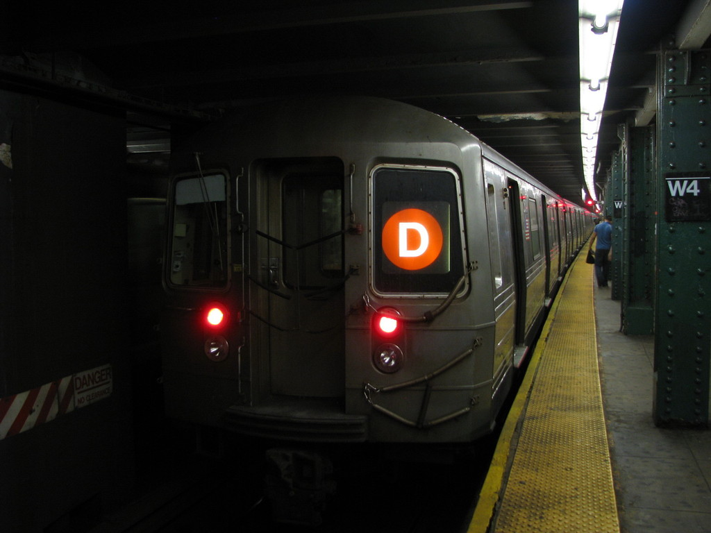 (137k, 1024x768)<br><b>Country:</b> United States<br><b>City:</b> New York<br><b>System:</b> New York City Transit<br><b>Line:</b> IND 6th Avenue Line<br><b>Location:</b> West 4th Street/Washington Square <br><b>Route:</b> D<br><b>Car:</b> R-68 (Westinghouse-Amrail, 1986-1988)  2504 <br><b>Photo by:</b> Andrew Johnson<br><b>Date:</b> 6/30/2008<br><b>Viewed (this week/total):</b> 1 / 1763