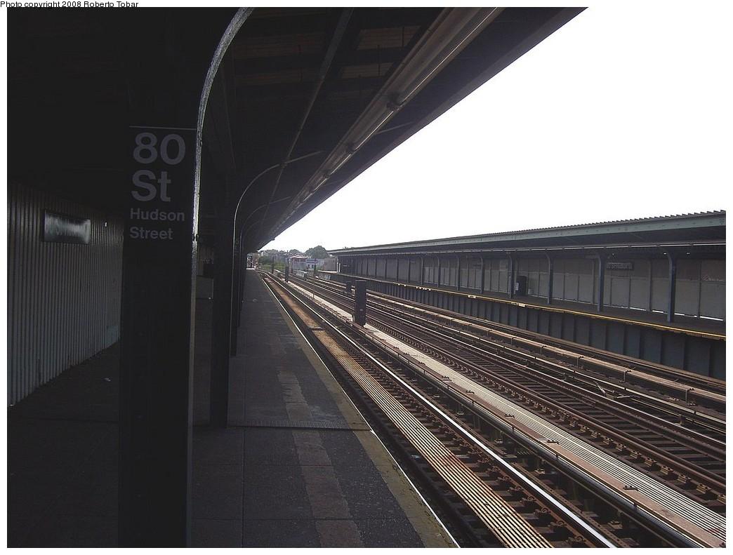 (197k, 1044x791)<br><b>Country:</b> United States<br><b>City:</b> New York<br><b>System:</b> New York City Transit<br><b>Line:</b> IND Fulton Street Line<br><b>Location:</b> 80th Street/Hudson Street <br><b>Photo by:</b> Roberto C. Tobar<br><b>Date:</b> 7/12/2008<br><b>Notes:</b> Platform view.<br><b>Viewed (this week/total):</b> 0 / 821