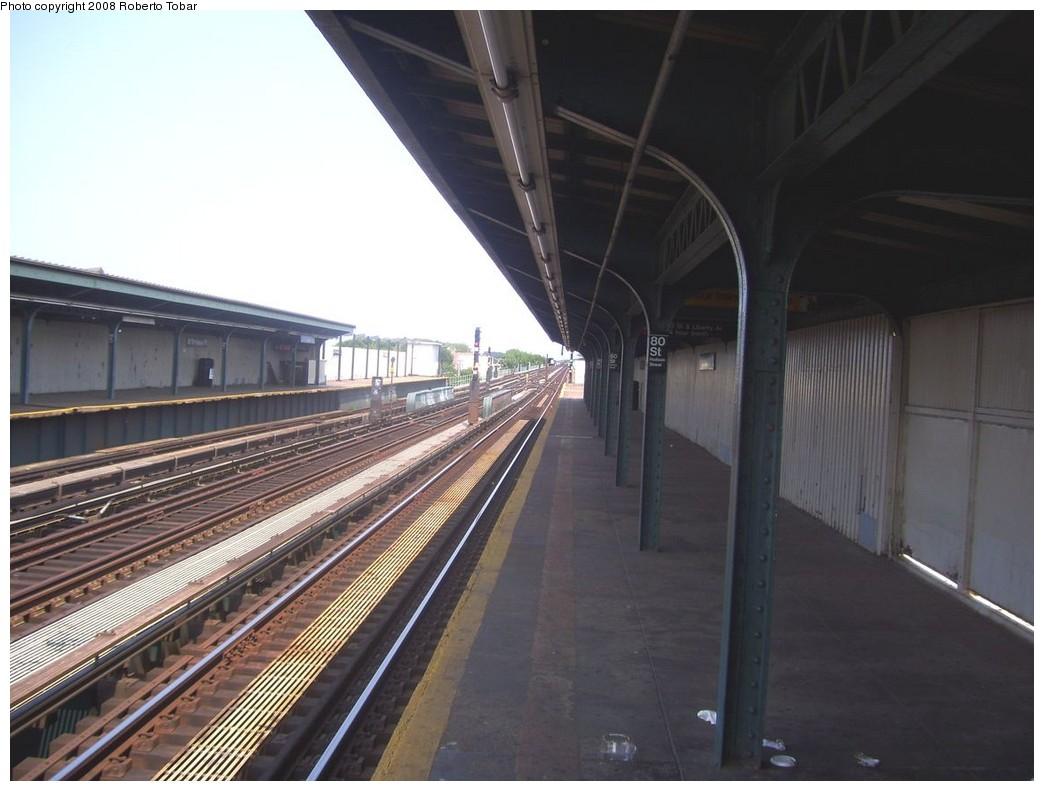 (178k, 1044x791)<br><b>Country:</b> United States<br><b>City:</b> New York<br><b>System:</b> New York City Transit<br><b>Line:</b> IND Fulton Street Line<br><b>Location:</b> 80th Street/Hudson Street <br><b>Photo by:</b> Roberto C. Tobar<br><b>Date:</b> 7/12/2008<br><b>Notes:</b> Platform view.<br><b>Viewed (this week/total):</b> 0 / 974
