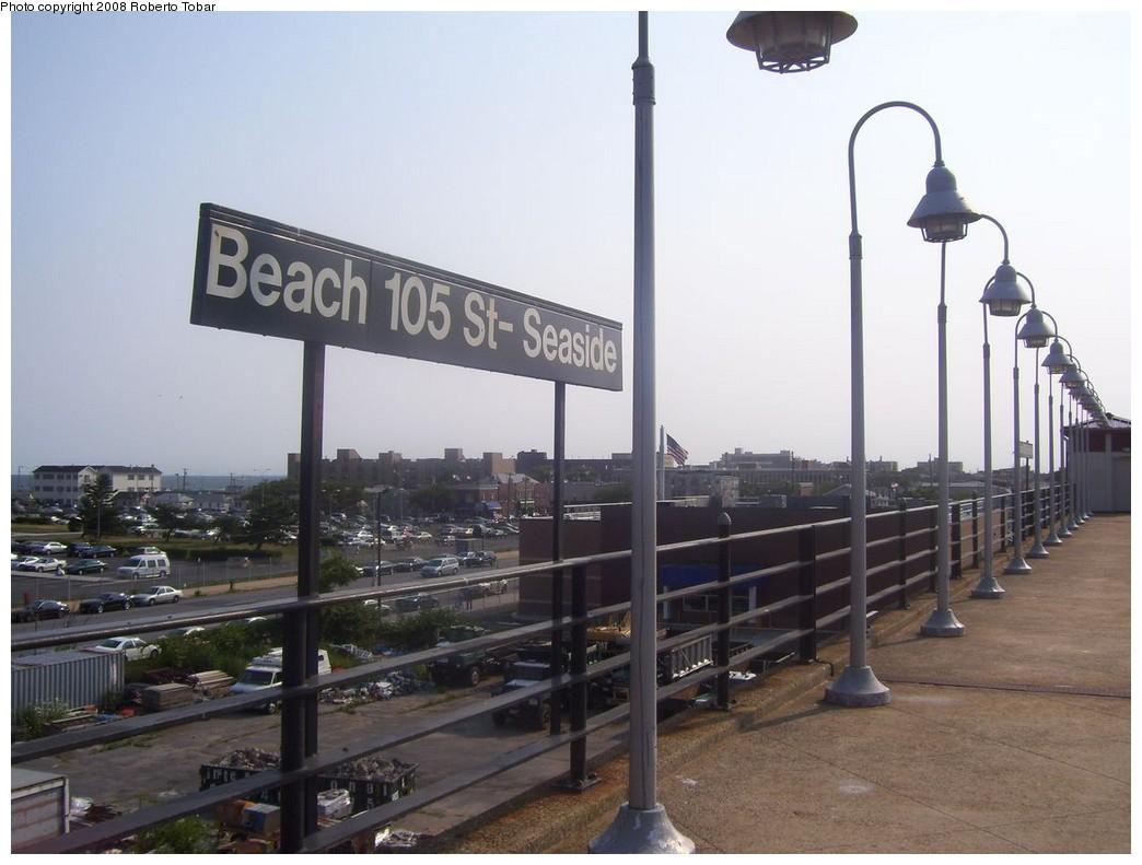 (174k, 1044x791)<br><b>Country:</b> United States<br><b>City:</b> New York<br><b>System:</b> New York City Transit<br><b>Line:</b> IND Rockaway<br><b>Location:</b> Beach 105th Street/Seaside <br><b>Photo by:</b> Roberto C. Tobar<br><b>Date:</b> 7/12/2008<br><b>Notes:</b> Platform view.<br><b>Viewed (this week/total):</b> 2 / 1529