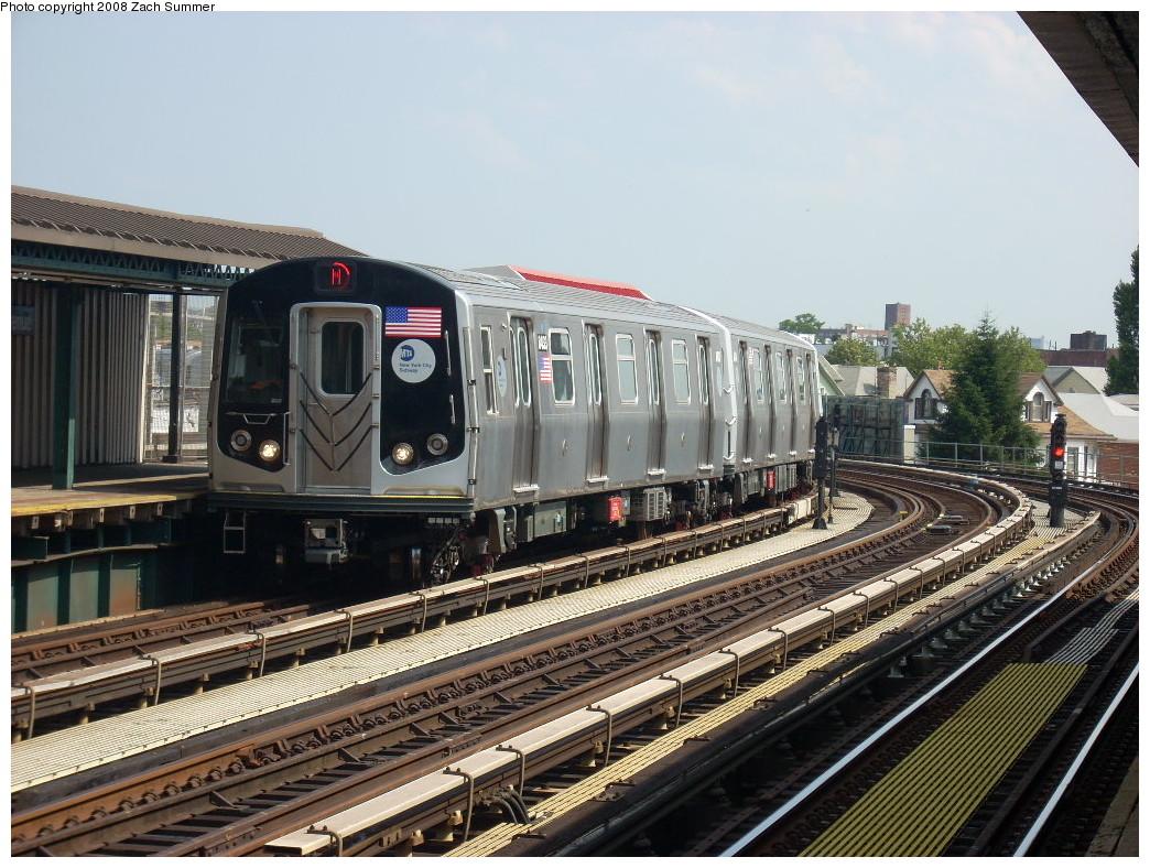 (298k, 1044x788)<br><b>Country:</b> United States<br><b>City:</b> New York<br><b>System:</b> New York City Transit<br><b>Line:</b> BMT West End Line<br><b>Location:</b> 18th Avenue <br><b>Route:</b> M<br><b>Car:</b> R-160A-1 (Alstom, 2005-2008, 4 car sets)  8433 <br><b>Photo by:</b> Zach Summer<br><b>Date:</b> 6/30/2008<br><b>Viewed (this week/total):</b> 0 / 1730