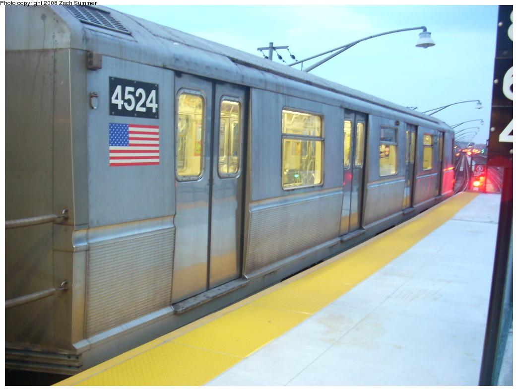 (202k, 1044x788)<br><b>Country:</b> United States<br><b>City:</b> New York<br><b>System:</b> New York City Transit<br><b>Line:</b> BMT Brighton Line<br><b>Location:</b> Ocean Parkway <br><b>Route:</b> B<br><b>Car:</b> R-40M (St. Louis, 1969)  4524 <br><b>Photo by:</b> Zach Summer<br><b>Date:</b> 7/3/2008<br><b>Viewed (this week/total):</b> 2 / 1445