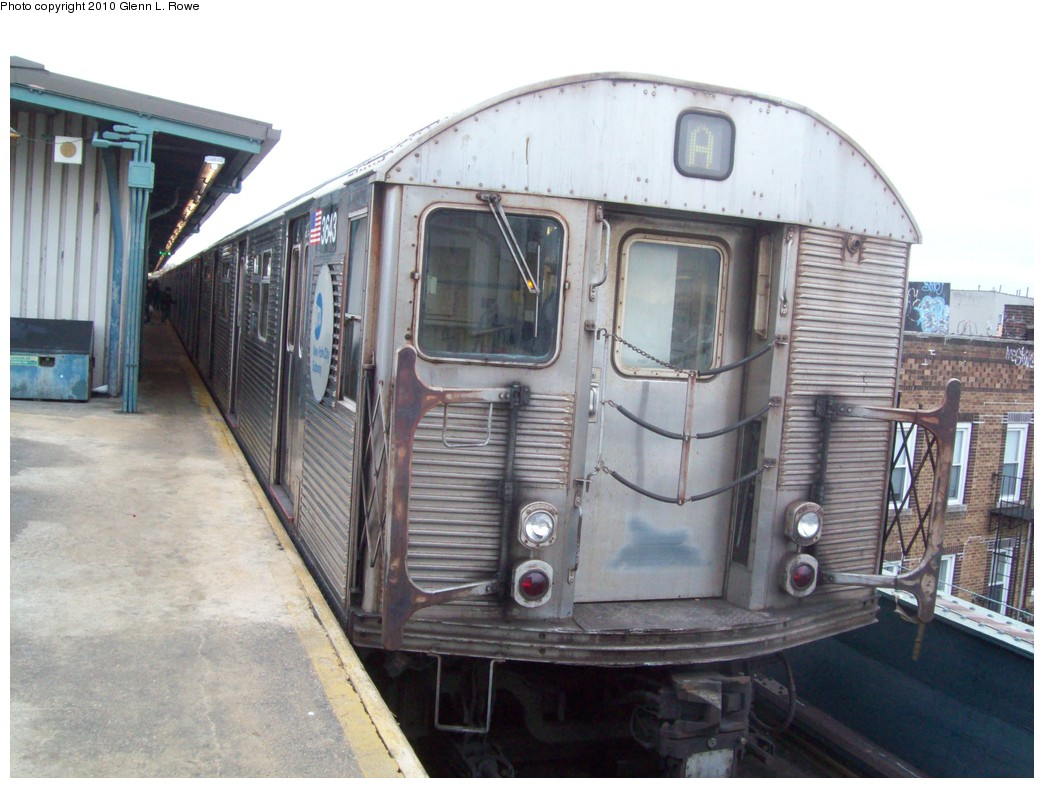 (203k, 1044x788)<br><b>Country:</b> United States<br><b>City:</b> New York<br><b>System:</b> New York City Transit<br><b>Line:</b> IND Fulton Street Line<br><b>Location:</b> Lefferts Boulevard <br><b>Route:</b> A<br><b>Car:</b> R-32 (Budd, 1964)  3643 <br><b>Photo by:</b> Glenn L. Rowe<br><b>Date:</b> 2/19/2010<br><b>Viewed (this week/total):</b> 4 / 779