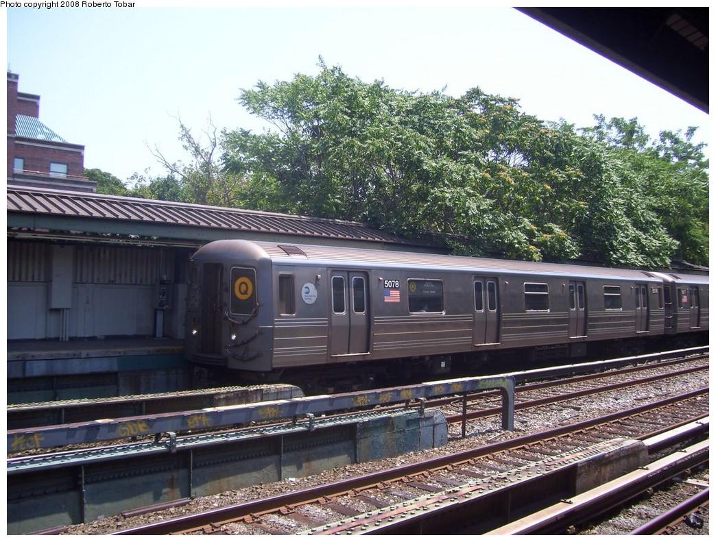(278k, 1044x791)<br><b>Country:</b> United States<br><b>City:</b> New York<br><b>System:</b> New York City Transit<br><b>Line:</b> BMT Brighton Line<br><b>Location:</b> Avenue J <br><b>Route:</b> Q<br><b>Car:</b> R-68A (Kawasaki, 1988-1989)  5078 <br><b>Photo by:</b> Roberto C. Tobar<br><b>Date:</b> 7/19/2008<br><b>Viewed (this week/total):</b> 0 / 1357