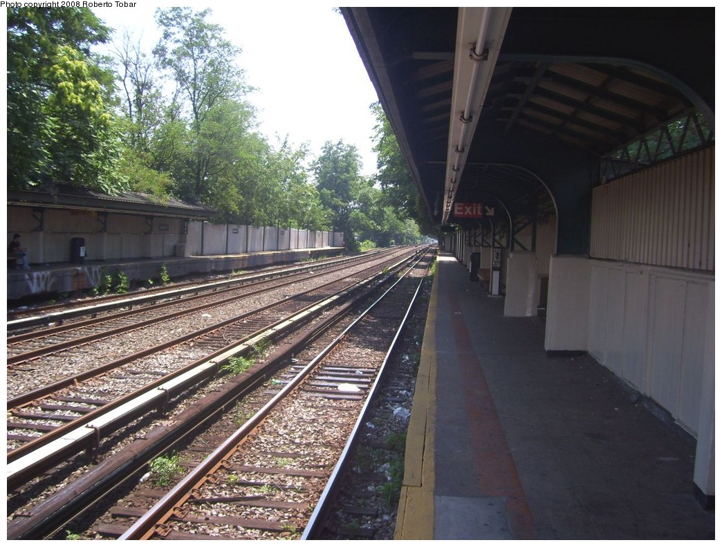 (252k, 1044x791)<br><b>Country:</b> United States<br><b>City:</b> New York<br><b>System:</b> New York City Transit<br><b>Line:</b> BMT Brighton Line<br><b>Location:</b> Avenue M <br><b>Photo by:</b> Roberto C. Tobar<br><b>Date:</b> 7/19/2008<br><b>Viewed (this week/total):</b> 0 / 1241