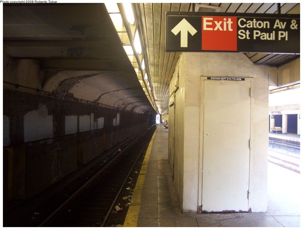 (165k, 1044x791)<br><b>Country:</b> United States<br><b>City:</b> New York<br><b>System:</b> New York City Transit<br><b>Line:</b> BMT Brighton Line<br><b>Location:</b> Church Avenue <br><b>Photo by:</b> Roberto C. Tobar<br><b>Date:</b> 7/19/2008<br><b>Viewed (this week/total):</b> 3 / 2197