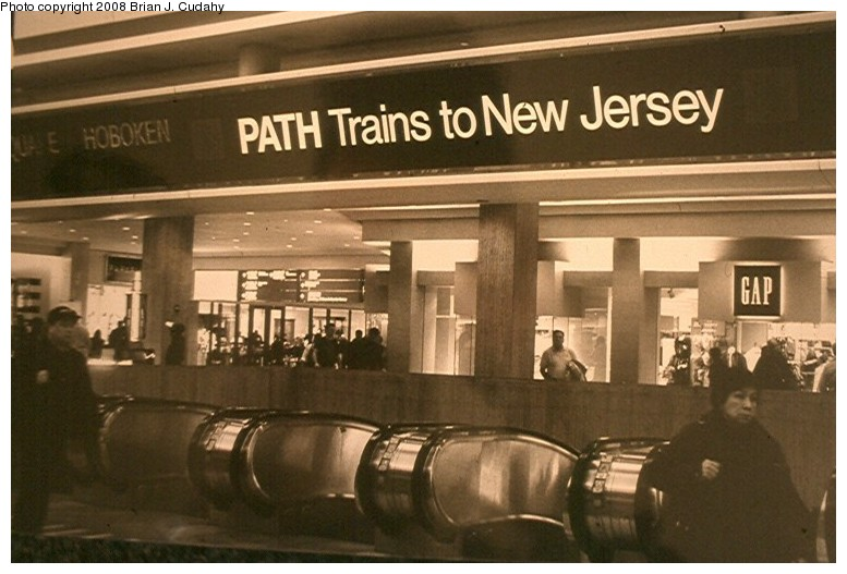 (115k, 777x527)<br><b>Country:</b> United States<br><b>City:</b> New York<br><b>System:</b> PATH<br><b>Location:</b> World Trade Center <br><b>Photo by:</b> Brian J. Cudahy<br><b>Notes:</b> Concourse entrance.<br><b>Viewed (this week/total):</b> 1 / 2870