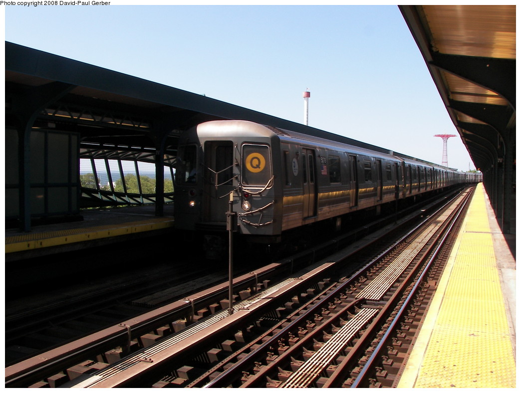 (262k, 1044x788)<br><b>Country:</b> United States<br><b>City:</b> New York<br><b>System:</b> New York City Transit<br><b>Line:</b> BMT Brighton Line<br><b>Location:</b> West 8th Street <br><b>Route:</b> Q<br><b>Car:</b> R-68A (Kawasaki, 1988-1989)  5078 <br><b>Photo by:</b> David-Paul Gerber<br><b>Date:</b> 7/13/2008<br><b>Viewed (this week/total):</b> 0 / 1206