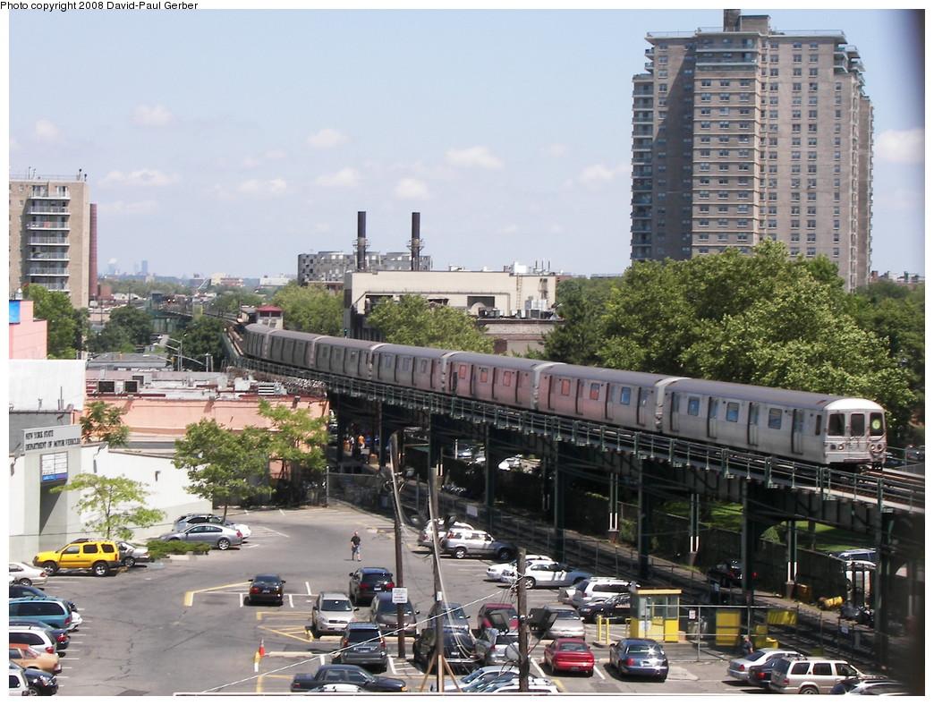 (309k, 1044x788)<br><b>Country:</b> United States<br><b>City:</b> New York<br><b>System:</b> New York City Transit<br><b>Line:</b> BMT Culver Line<br><b>Location:</b> West 8th Street <br><b>Route:</b> G<br><b>Car:</b> R-46 (Pullman-Standard, 1974-75)  <br><b>Photo by:</b> David-Paul Gerber<br><b>Date:</b> 7/13/2008<br><b>Viewed (this week/total):</b> 0 / 1211