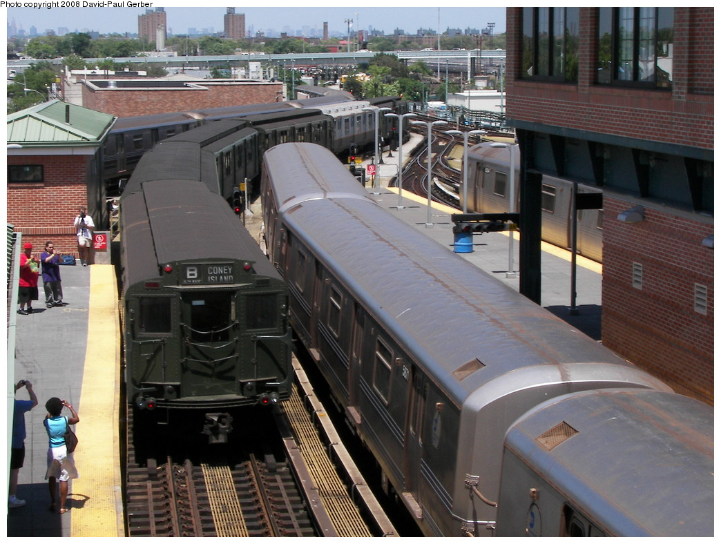 (297k, 1044x788)<br><b>Country:</b> United States<br><b>City:</b> New York<br><b>System:</b> New York City Transit<br><b>Location:</b> Coney Island/Stillwell Avenue<br><b>Route:</b> Transit Museum Nostalgia Train<br><b>Car:</b> R-4 (American Car & Foundry, 1932-1933) 484 <br><b>Photo by:</b> David-Paul Gerber<br><b>Date:</b> 7/13/2008<br><b>Viewed (this week/total):</b> 0 / 1943