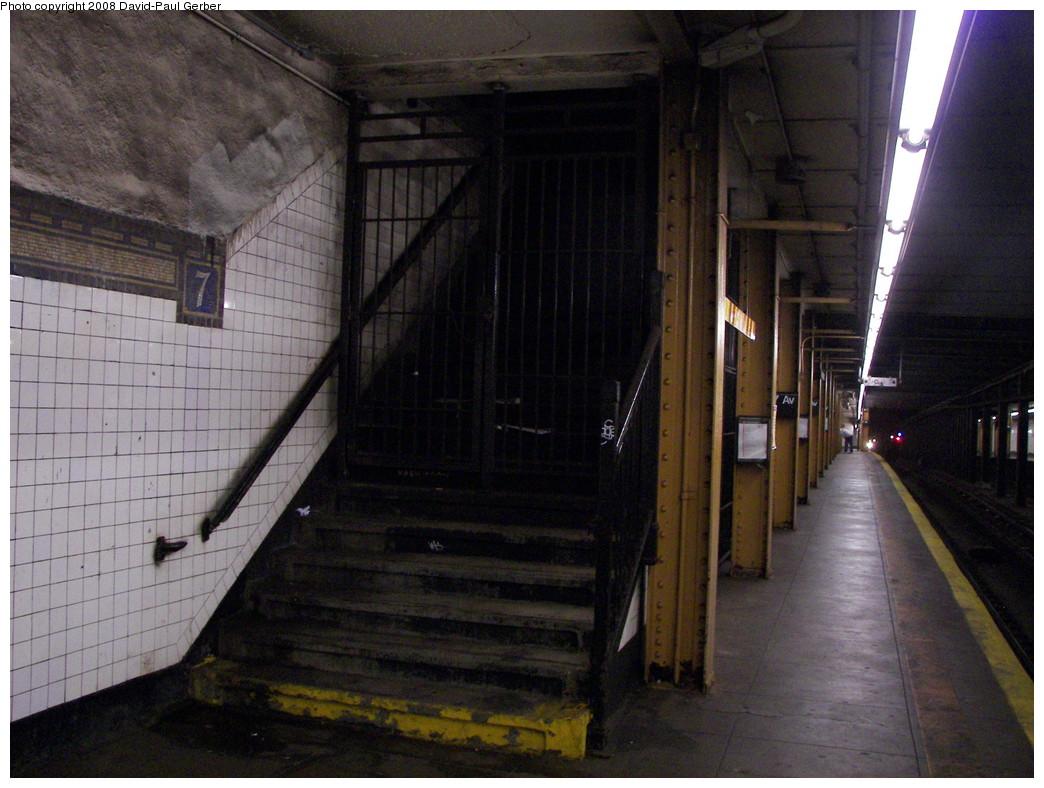(274k, 1044x788)<br><b>Country:</b> United States<br><b>City:</b> New York<br><b>System:</b> New York City Transit<br><b>Line:</b> BMT Brighton Line<br><b>Location:</b> 7th Avenue <br><b>Photo by:</b> David-Paul Gerber<br><b>Date:</b> 5/20/2008<br><b>Notes:</b> Closed staircase at south end.<br><b>Viewed (this week/total):</b> 1 / 2031