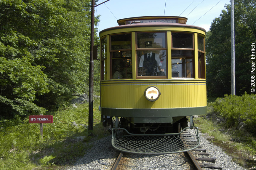 (242k, 864x574)<br><b>Country:</b> United States<br><b>City:</b> Kennebunk, ME<br><b>System:</b> Seashore Trolley Museum <br><b>Car:</b> Twin City Rapid Transit 1267 <br><b>Photo by:</b> Peter Ehrlich<br><b>Date:</b> 7/18/2008<br><b>Notes:</b> Twin City Rapid Transit 1267. South of Talbot Park.  Note the BurmaShave sign.<br><b>Viewed (this week/total):</b> 0 / 647