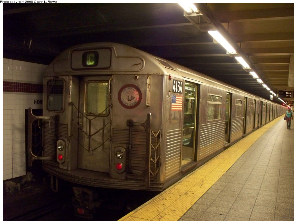 (195k, 1044x788)<br><b>Country:</b> United States<br><b>City:</b> New York<br><b>System:</b> New York City Transit<br><b>Line:</b> IND 8th Avenue Line<br><b>Location:</b> 207th Street <br><b>Route:</b> C<br><b>Car:</b> R-38 (St. Louis, 1966-1967)  4134 <br><b>Photo by:</b> Glenn L. Rowe<br><b>Date:</b> 7/25/2008<br><b>Viewed (this week/total):</b> 3 / 1290