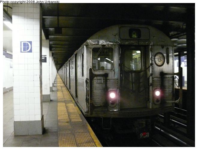 (101k, 660x500)<br><b>Country:</b> United States<br><b>City:</b> New York<br><b>System:</b> New York City Transit<br><b>Line:</b> IND 6th Avenue Line<br><b>Location:</b> Delancey Street <br><b>Route:</b> A reroute<br><b>Car:</b> R-38 (St. Louis, 1966-1967)  4063 <br><b>Photo by:</b> John Urbanski<br><b>Date:</b> 7/26/2008<br><b>Viewed (this week/total):</b> 3 / 2698