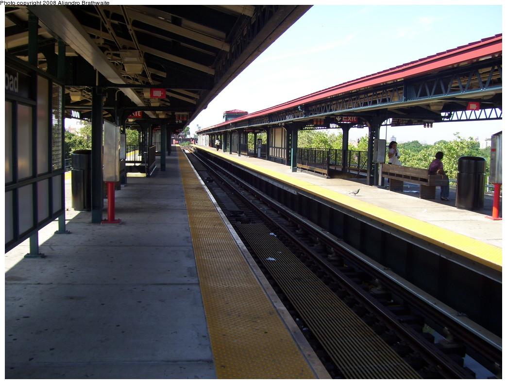 (239k, 1044x791)<br><b>Country:</b> United States<br><b>City:</b> New York<br><b>System:</b> New York City Transit<br><b>Line:</b> IRT White Plains Road Line<br><b>Location:</b> Gun Hill Road <br><b>Photo by:</b> Aliandro Brathwaite<br><b>Date:</b> 7/25/2008<br><b>Viewed (this week/total):</b> 0 / 1533
