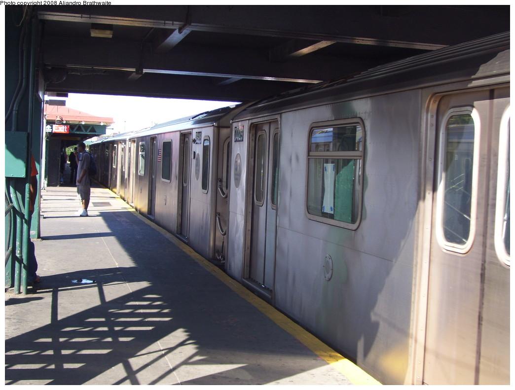 (201k, 1044x791)<br><b>Country:</b> United States<br><b>City:</b> New York<br><b>System:</b> New York City Transit<br><b>Line:</b> IRT White Plains Road Line<br><b>Location:</b> East 180th Street <br><b>Route:</b> 2<br><b>Car:</b> R-142 (Primary Order, Bombardier, 1999-2002)  6425 <br><b>Photo by:</b> Aliandro Brathwaite<br><b>Date:</b> 7/25/2008<br><b>Viewed (this week/total):</b> 2 / 1737