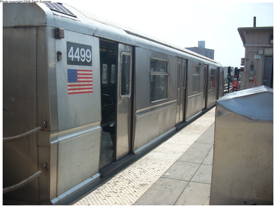 (225k, 1044x788)<br><b>Country:</b> United States<br><b>City:</b> New York<br><b>System:</b> New York City Transit<br><b>Line:</b> BMT Brighton Line<br><b>Location:</b> Brighton Beach <br><b>Route:</b> B<br><b>Car:</b> R-40M (St. Louis, 1969)  4499 <br><b>Photo by:</b> Zach Summer<br><b>Date:</b> 7/7/2008<br><b>Viewed (this week/total):</b> 0 / 1467