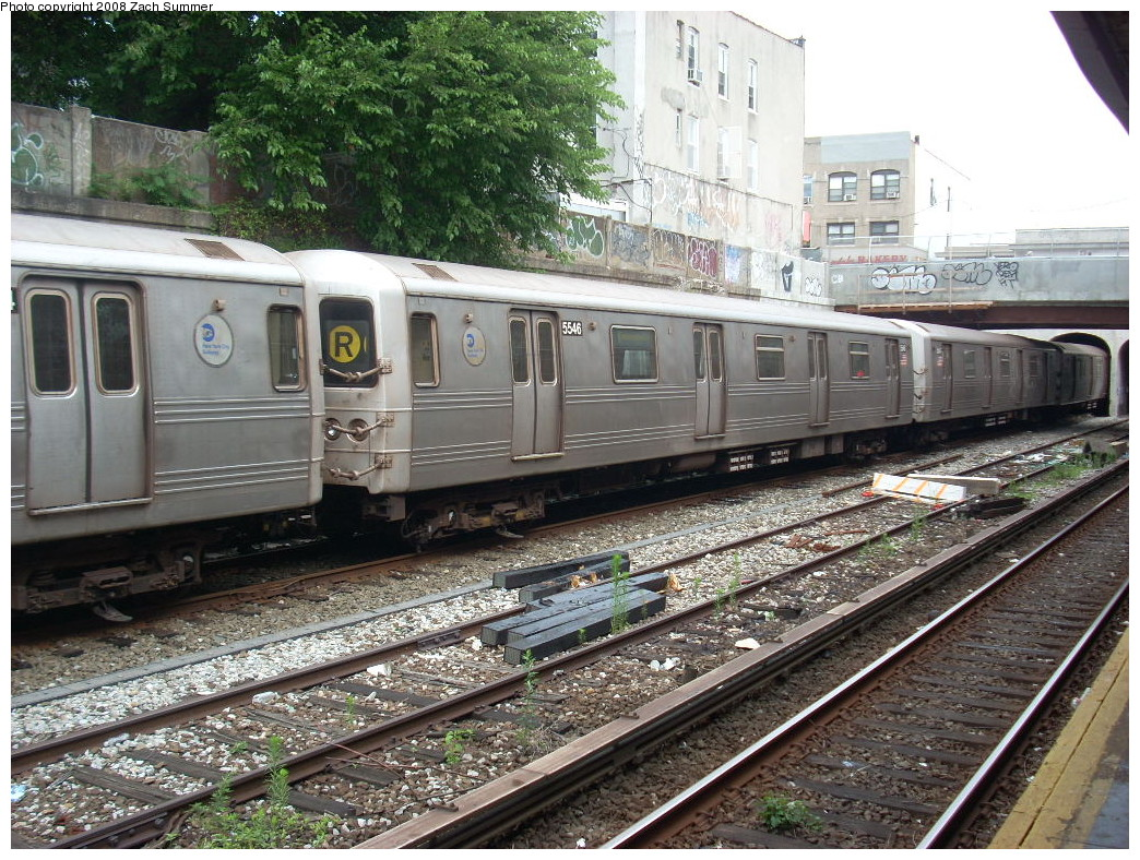 (344k, 1044x788)<br><b>Country:</b> United States<br><b>City:</b> New York<br><b>System:</b> New York City Transit<br><b>Line:</b> BMT Sea Beach Line<br><b>Location:</b> 20th Avenue <br><b>Route:</b> R put-in<br><b>Car:</b> R-46 (Pullman-Standard, 1974-75) 5546 <br><b>Photo by:</b> Zach Summer<br><b>Date:</b> 7/9/2008<br><b>Viewed (this week/total):</b> 0 / 1794
