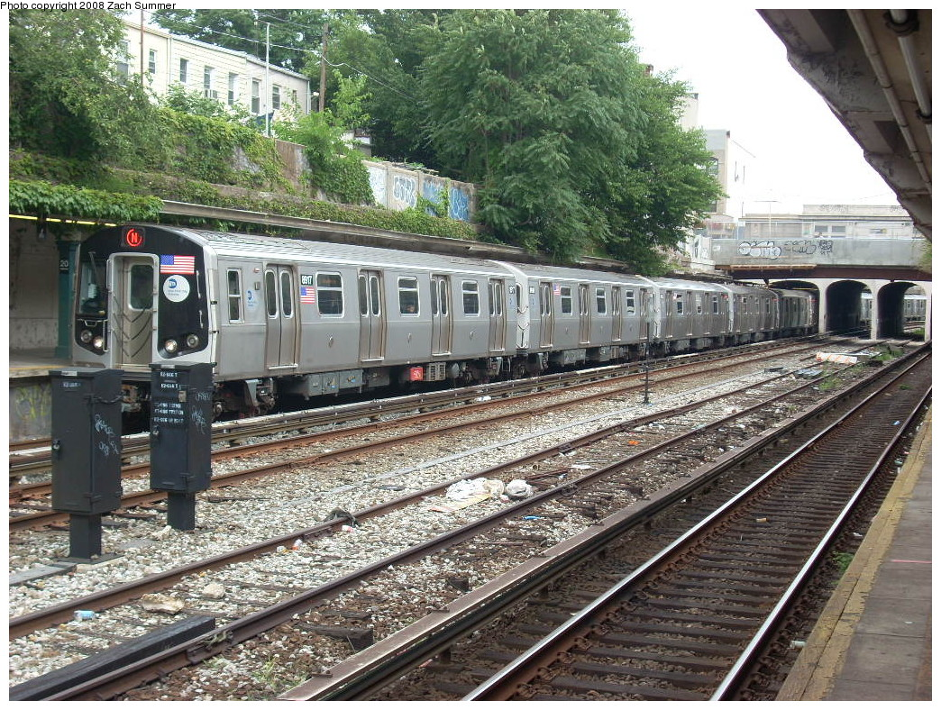 (391k, 1044x788)<br><b>Country:</b> United States<br><b>City:</b> New York<br><b>System:</b> New York City Transit<br><b>Line:</b> BMT Sea Beach Line<br><b>Location:</b> 20th Avenue <br><b>Route:</b> N<br><b>Car:</b> R-160B (Kawasaki, 2005-2008)  8917 <br><b>Photo by:</b> Zach Summer<br><b>Date:</b> 7/9/2008<br><b>Viewed (this week/total):</b> 0 / 1331