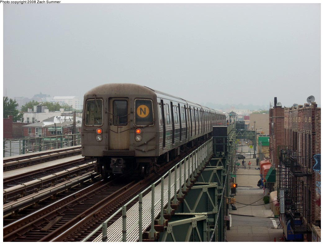 (172k, 1044x788)<br><b>Country:</b> United States<br><b>City:</b> New York<br><b>System:</b> New York City Transit<br><b>Line:</b> BMT West End Line<br><b>Location:</b> 71st Street <br><b>Route:</b> N reroute<br><b>Car:</b> R-68 (Westinghouse-Amrail, 1986-1988)   <br><b>Photo by:</b> Zach Summer<br><b>Date:</b> 7/6/2008<br><b>Viewed (this week/total):</b> 0 / 1541