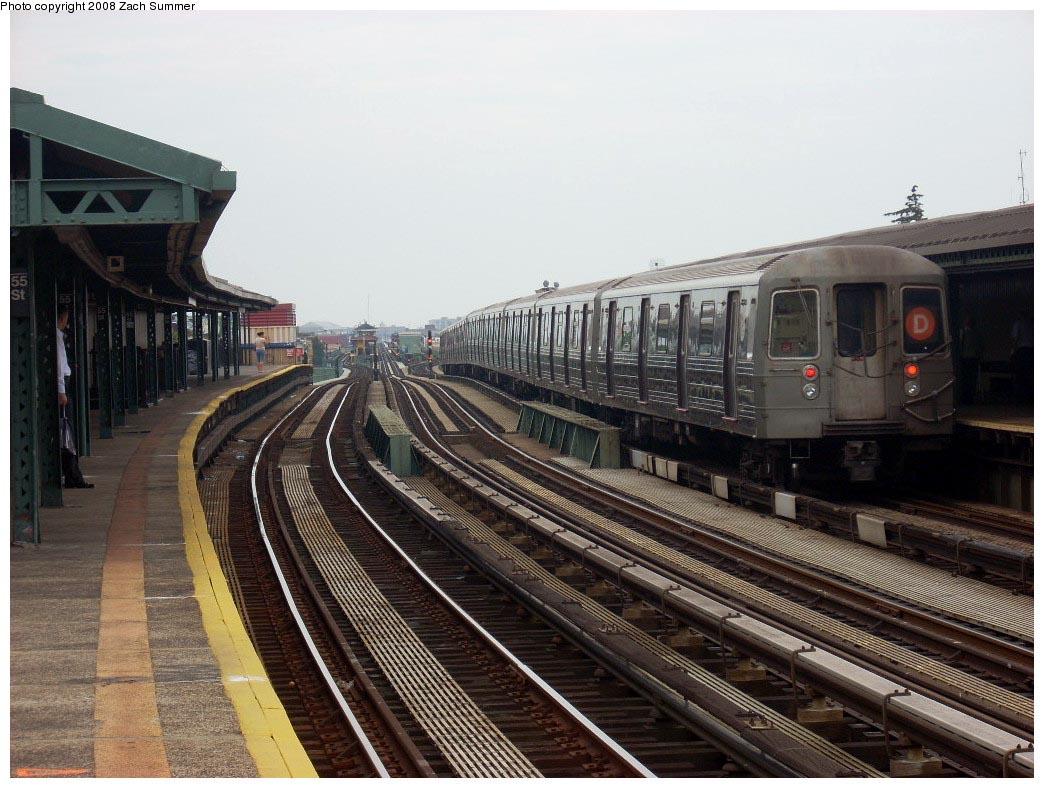 (183k, 1044x788)<br><b>Country:</b> United States<br><b>City:</b> New York<br><b>System:</b> New York City Transit<br><b>Line:</b> BMT West End Line<br><b>Location:</b> 55th Street <br><b>Route:</b> D<br><b>Car:</b> R-68 (Westinghouse-Amrail, 1986-1988)  2642 <br><b>Photo by:</b> Zach Summer<br><b>Date:</b> 7/9/2008<br><b>Viewed (this week/total):</b> 0 / 1389