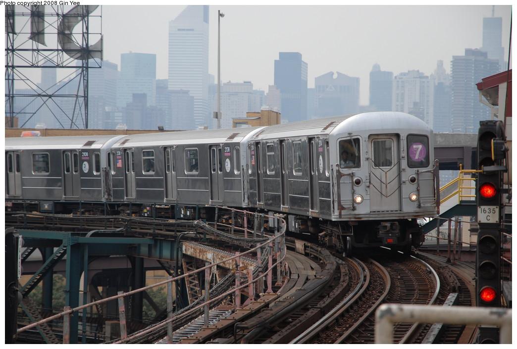 (229k, 1044x705)<br><b>Country:</b> United States<br><b>City:</b> New York<br><b>System:</b> New York City Transit<br><b>Line:</b> IRT Flushing Line<br><b>Location:</b> Queensborough Plaza <br><b>Route:</b> 7<br><b>Car:</b> R-62A (Bombardier, 1984-1987)  2014 <br><b>Photo by:</b> Gin Yee<br><b>Date:</b> 7/30/2008<br><b>Viewed (this week/total):</b> 0 / 1603