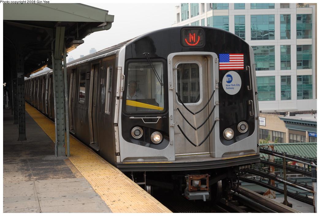 (228k, 1044x705)<br><b>Country:</b> United States<br><b>City:</b> New York<br><b>System:</b> New York City Transit<br><b>Line:</b> BMT Astoria Line<br><b>Location:</b> Queensborough Plaza <br><b>Route:</b> N<br><b>Car:</b> R-160B (Kawasaki, 2005-2008)  8863 <br><b>Photo by:</b> Gin Yee<br><b>Date:</b> 7/30/2008<br><b>Viewed (this week/total):</b> 0 / 1975