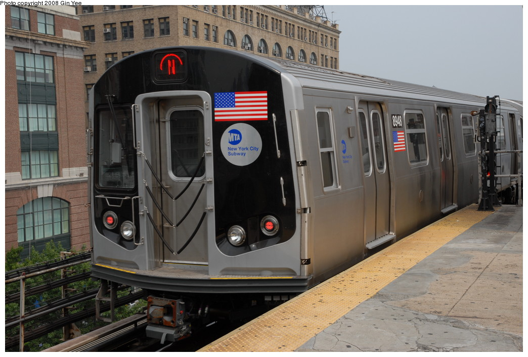 (228k, 1044x705)<br><b>Country:</b> United States<br><b>City:</b> New York<br><b>System:</b> New York City Transit<br><b>Line:</b> BMT Astoria Line<br><b>Location:</b> Queensborough Plaza <br><b>Route:</b> N<br><b>Car:</b> R-160B (Kawasaki, 2005-2008)  8948 <br><b>Photo by:</b> Gin Yee<br><b>Date:</b> 7/30/2008<br><b>Viewed (this week/total):</b> 1 / 2156