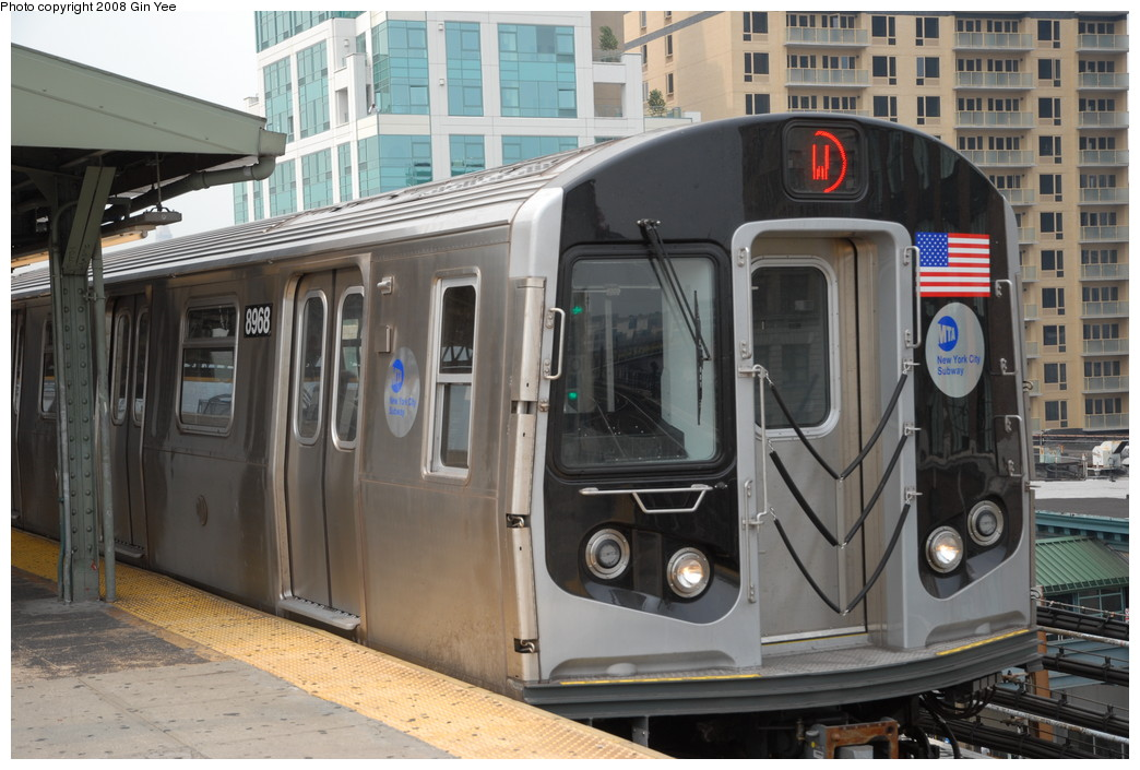 (229k, 1044x705)<br><b>Country:</b> United States<br><b>City:</b> New York<br><b>System:</b> New York City Transit<br><b>Line:</b> BMT Astoria Line<br><b>Location:</b> Queensborough Plaza <br><b>Route:</b> W<br><b>Car:</b> R-160B (Kawasaki, 2005-2008)  8968 <br><b>Photo by:</b> Gin Yee<br><b>Date:</b> 7/30/2008<br><b>Viewed (this week/total):</b> 0 / 2551