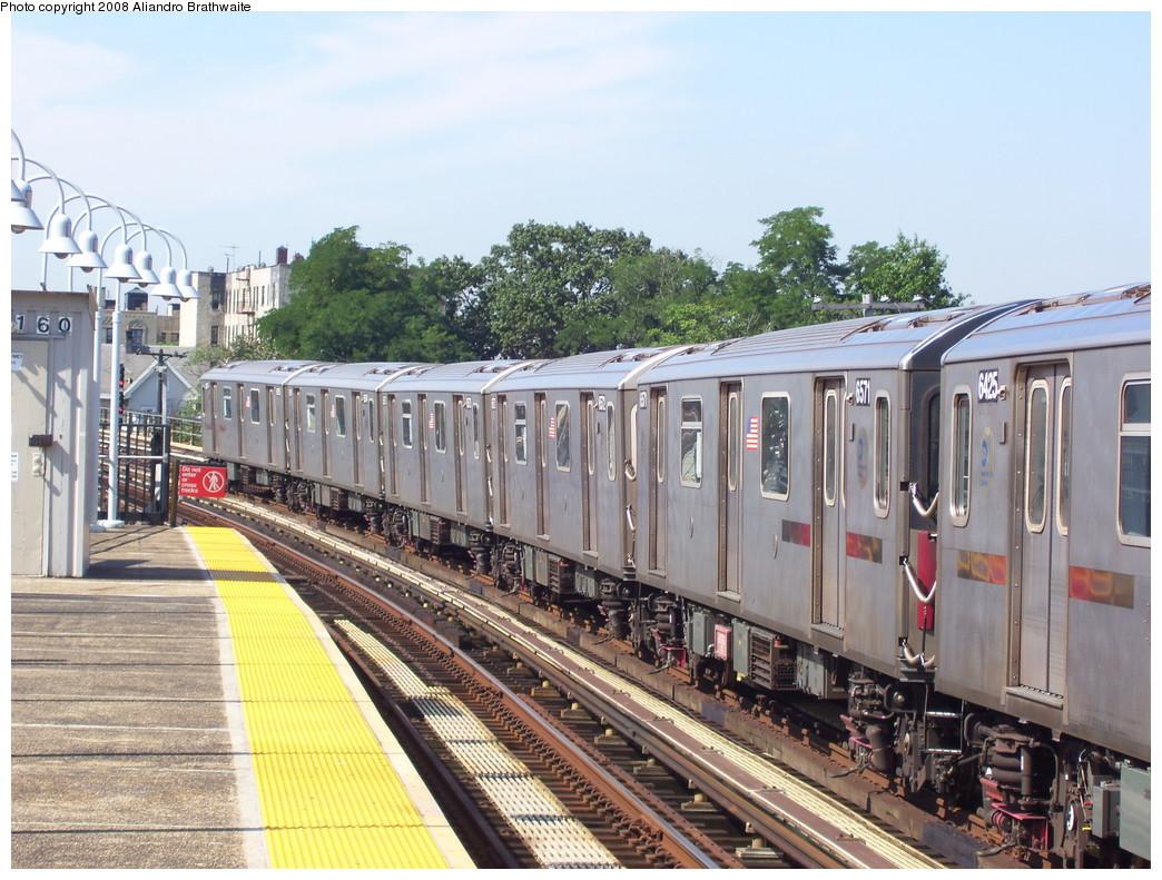 (268k, 1044x791)<br><b>Country:</b> United States<br><b>City:</b> New York<br><b>System:</b> New York City Transit<br><b>Line:</b> IRT White Plains Road Line<br><b>Location:</b> 238th Street (Nereid Avenue) <br><b>Car:</b> R-142 (Primary Order, Bombardier, 1999-2002)  6521 <br><b>Photo by:</b> Aliandro Brathwaite<br><b>Date:</b> 7/25/2008<br><b>Viewed (this week/total):</b> 1 / 2837