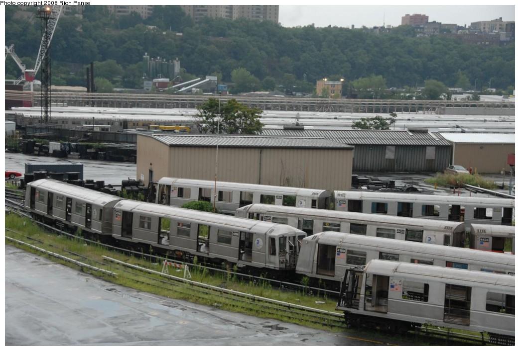 (217k, 1044x706)<br><b>Country:</b> United States<br><b>City:</b> New York<br><b>System:</b> New York City Transit<br><b>Location:</b> 207th Street Yard<br><b>Car:</b> R-40 (St. Louis, 1968)   <br><b>Photo by:</b> Richard Panse<br><b>Date:</b> 8/2/2008<br><b>Notes:</b> Cars visible: 4198, 4189, 4435, 4204, 4205, 4298<br><b>Viewed (this week/total):</b> 1 / 1438
