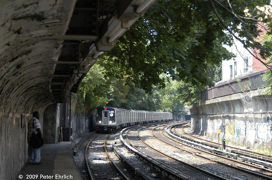 (308k, 930x618)<br><b>Country:</b> United States<br><b>City:</b> New York<br><b>System:</b> New York City Transit<br><b>Line:</b> BMT Brighton Line<br><b>Location:</b> Beverley Road <br><b>Route:</b> Q<br><b>Car:</b> R-160B (Kawasaki, 2005-2008)  8897 <br><b>Photo by:</b> Peter Ehrlich<br><b>Date:</b> 7/22/2009<br><b>Notes:</b> Outbound<br><b>Viewed (this week/total):</b> 1 / 1456