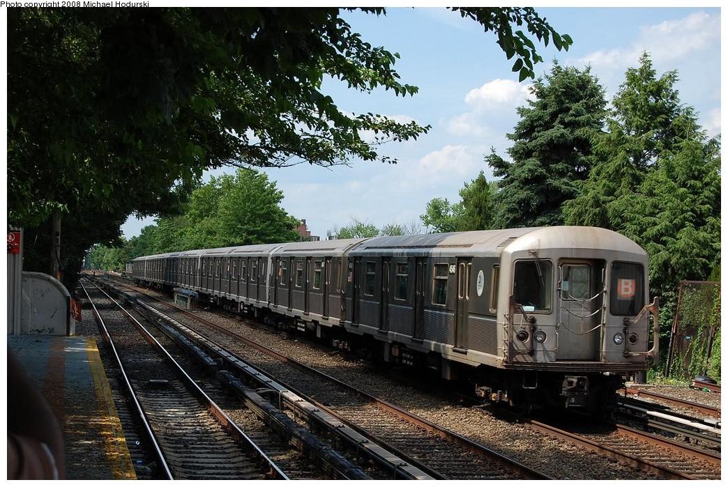 (313k, 1044x699)<br><b>Country:</b> United States<br><b>City:</b> New York<br><b>System:</b> New York City Transit<br><b>Line:</b> BMT Brighton Line<br><b>Location:</b> Neck Road <br><b>Route:</b> B<br><b>Car:</b> R-40M (St. Louis, 1969)  4546 <br><b>Photo by:</b> Michael Hodurski<br><b>Date:</b> 6/24/2008<br><b>Viewed (this week/total):</b> 2 / 1358