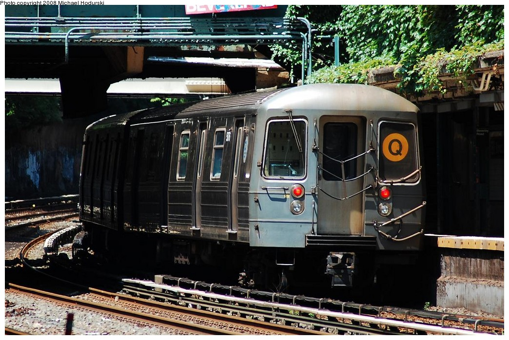 (270k, 1044x699)<br><b>Country:</b> United States<br><b>City:</b> New York<br><b>System:</b> New York City Transit<br><b>Line:</b> BMT Brighton Line<br><b>Location:</b> Beverley Road <br><b>Route:</b> Q<br><b>Car:</b> R-68A (Kawasaki, 1988-1989)  5076 <br><b>Photo by:</b> Michael Hodurski<br><b>Date:</b> 6/24/2008<br><b>Viewed (this week/total):</b> 1 / 1415