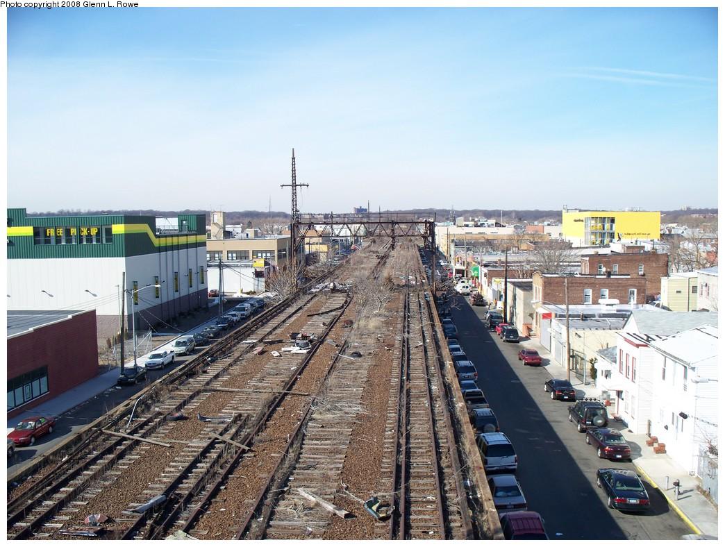 (261k, 1044x788)<br><b>Country:</b> United States<br><b>City:</b> New York<br><b>System:</b> Long Island Rail Road<br><b>Line:</b> LIRR Rockaway<br><b>Location:</b> Ozone Park <br><b>Photo by:</b> Glenn L. Rowe<br><b>Date:</b> 2/29/2008<br><b>Notes:</b> Looking north from Fulton el at former site of Ozone Park LIRR station.<br><b>Viewed (this week/total):</b> 1 / 2622