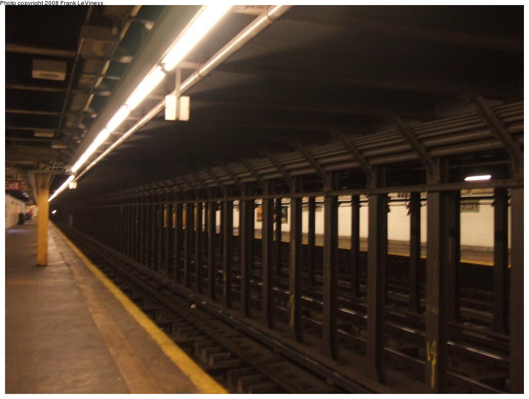 (172k, 1044x788)<br><b>Country:</b> United States<br><b>City:</b> New York<br><b>System:</b> New York City Transit<br><b>Line:</b> IRT Pelham Line<br><b>Location:</b> Cypress Avenue <br><b>Photo by:</b> Frank LeViness<br><b>Date:</b> 7/31/2007<br><b>Notes:</b> Overview.<br><b>Viewed (this week/total):</b> 1 / 1903