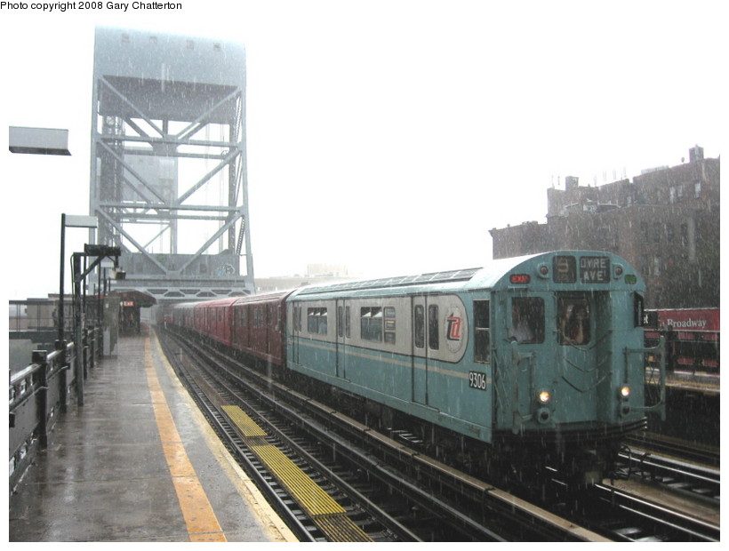 (111k, 820x620)<br><b>Country:</b> United States<br><b>City:</b> New York<br><b>System:</b> New York City Transit<br><b>Line:</b> IRT West Side Line<br><b>Location:</b> 225th Street <br><b>Route:</b> Transit Museum Nostalgia Train<br><b>Car:</b> R-33 World's Fair (St. Louis, 1963-64) 9306 <br><b>Photo by:</b> Gary Chatterton<br><b>Date:</b> 8/2/2008<br><b>Viewed (this week/total):</b> 0 / 1870