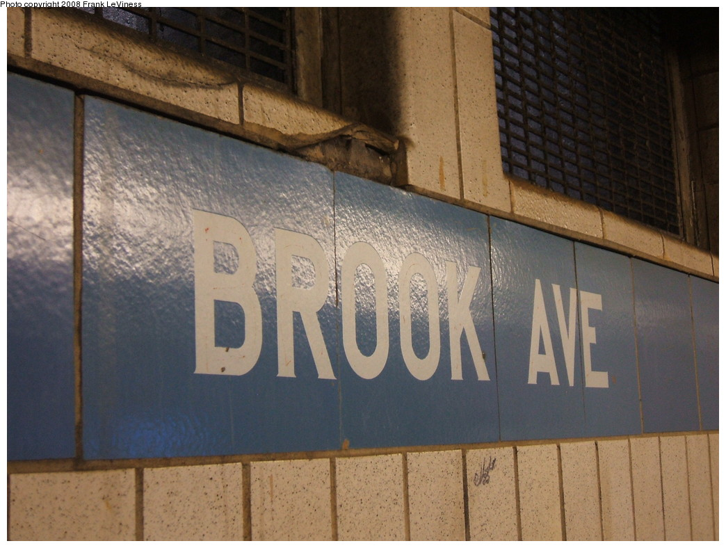 (218k, 1044x788)<br><b>Country:</b> United States<br><b>City:</b> New York<br><b>System:</b> New York City Transit<br><b>Line:</b> IRT Pelham Line<br><b>Location:</b> Brook Avenue <br><b>Photo by:</b> Frank LeViness<br><b>Date:</b> 7/31/2007<br><b>Notes:</b> 1960s extension tile.<br><b>Viewed (this week/total):</b> 1 / 1305