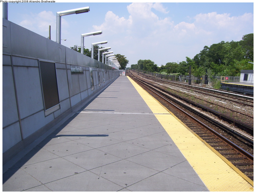 (227k, 1044x791)<br><b>Country:</b> United States<br><b>City:</b> New York<br><b>System:</b> New York City Transit<br><b>Line:</b> IND Rockaway<br><b>Location:</b> Howard Beach <br><b>Photo by:</b> Aliandro Brathwaite<br><b>Date:</b> 7/26/2008<br><b>Notes:</b> View north.<br><b>Viewed (this week/total):</b> 0 / 1204