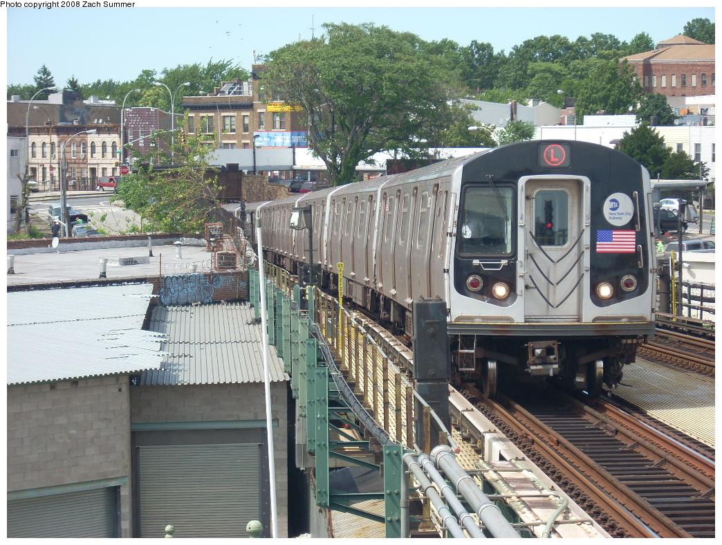 (343k, 1044x788)<br><b>Country:</b> United States<br><b>City:</b> New York<br><b>System:</b> New York City Transit<br><b>Line:</b> BMT Canarsie Line<br><b>Location:</b> Broadway Junction <br><b>Route:</b> L<br><b>Car:</b> R-143 (Kawasaki, 2001-2002)  <br><b>Photo by:</b> Zach Summer<br><b>Date:</b> 7/10/2008<br><b>Viewed (this week/total):</b> 0 / 1808