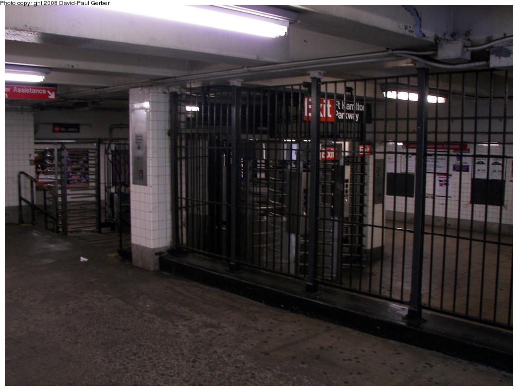 (236k, 1044x788)<br><b>Country:</b> United States<br><b>City:</b> New York<br><b>System:</b> New York City Transit<br><b>Line:</b> IND Crosstown Line<br><b>Location:</b> Fort Hamilton Parkway <br><b>Photo by:</b> David-Paul Gerber<br><b>Date:</b> 8/10/2008<br><b>Notes:</b> Mezzanine.<br><b>Viewed (this week/total):</b> 0 / 1733