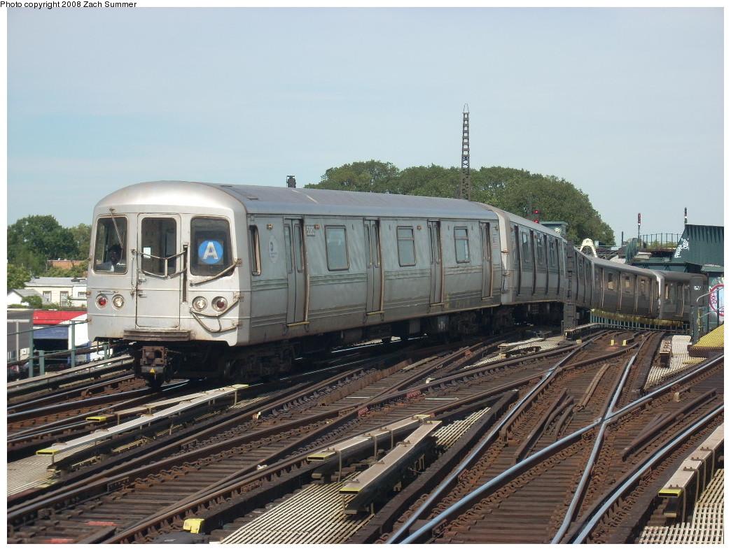 (272k, 1044x788)<br><b>Country:</b> United States<br><b>City:</b> New York<br><b>System:</b> New York City Transit<br><b>Line:</b> IND Fulton Street Line<br><b>Location:</b> Rockaway Boulevard <br><b>Route:</b> A<br><b>Car:</b> R-44 (St. Louis, 1971-73) 5382 <br><b>Photo by:</b> Zach Summer<br><b>Date:</b> 7/10/2008<br><b>Viewed (this week/total):</b> 2 / 1099