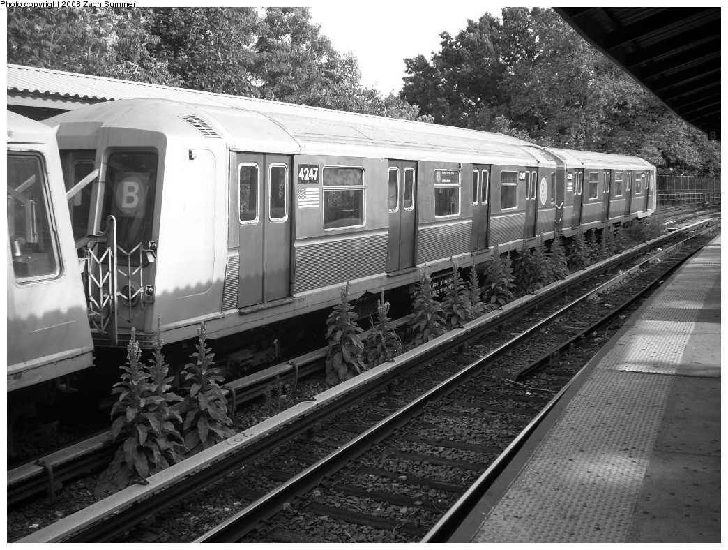 (297k, 1044x788)<br><b>Country:</b> United States<br><b>City:</b> New York<br><b>System:</b> New York City Transit<br><b>Line:</b> BMT Brighton Line<br><b>Location:</b> Sheepshead Bay <br><b>Route:</b> B<br><b>Car:</b> R-40 (St. Louis, 1968)  4247 <br><b>Photo by:</b> Zach Summer<br><b>Date:</b> 7/10/2008<br><b>Viewed (this week/total):</b> 3 / 1229