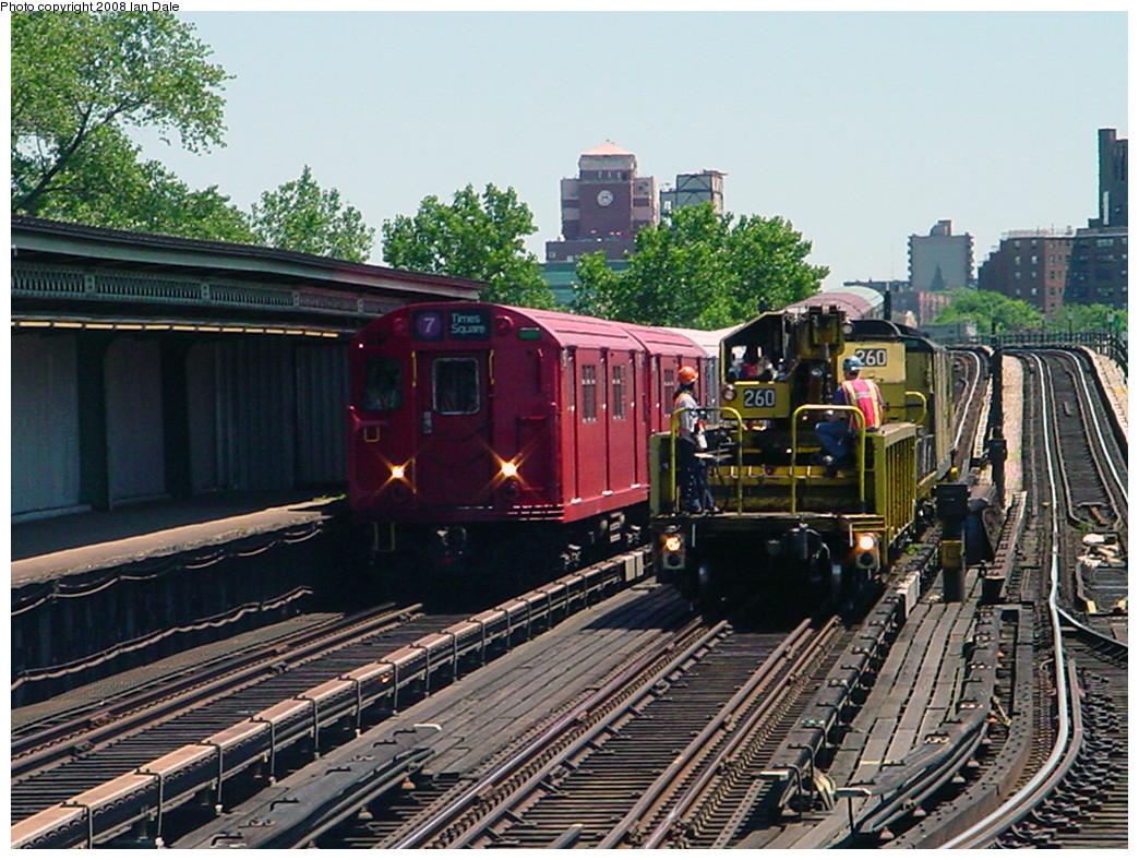 (332k, 1044x788)<br><b>Country:</b> United States<br><b>City:</b> New York<br><b>System:</b> New York City Transit<br><b>Line:</b> IRT Flushing Line<br><b>Location:</b> Willets Point/Mets (fmr. Shea Stadium) <br><b>Route:</b> Fan Trip<br><b>Car:</b> R-33 Main Line (St. Louis, 1962-63) 9017 <br><b>Photo by:</b> Ian Dale<br><b>Date:</b> 6/20/2004<br><b>Notes:</b> With Crane Car 260<br><b>Viewed (this week/total):</b> 2 / 1425