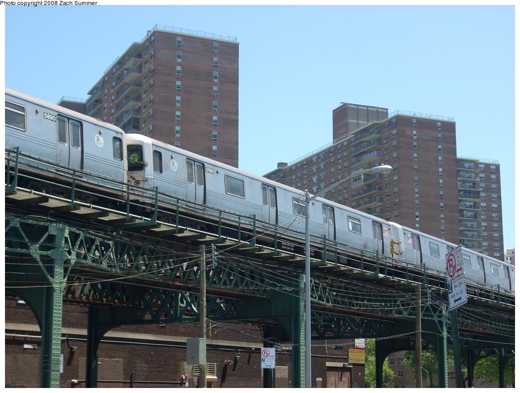 (276k, 1044x788)<br><b>Country:</b> United States<br><b>City:</b> New York<br><b>System:</b> New York City Transit<br><b>Line:</b> BMT Culver Line<br><b>Location:</b> Neptune Avenue <br><b>Route:</b> G<br><b>Car:</b> R-46 (Pullman-Standard, 1974-75) 5766 <br><b>Photo by:</b> Zach Summer<br><b>Date:</b> 7/13/2008<br><b>Viewed (this week/total):</b> 0 / 1580