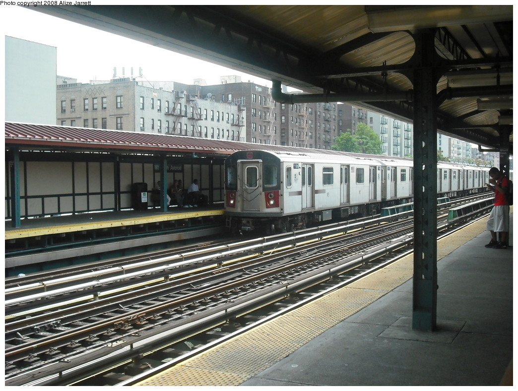 (263k, 1044x788)<br><b>Country:</b> United States<br><b>City:</b> New York<br><b>System:</b> New York City Transit<br><b>Line:</b> IRT Woodlawn Line<br><b>Location:</b> Mt. Eden Avenue <br><b>Route:</b> 4<br><b>Car:</b> R-142 (Option Order, Bombardier, 2002-2003)  1186 <br><b>Photo by:</b> Alize Jarrett<br><b>Date:</b> 8/13/2008<br><b>Viewed (this week/total):</b> 0 / 2304